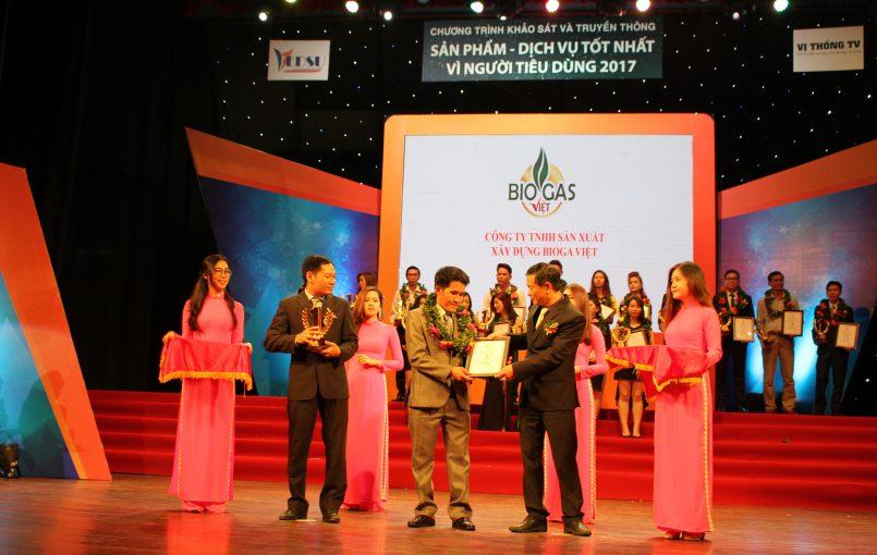 """BiogasViet nhận giải thưởng """"sản phẩm – dịch vụ tốt cho người tiêu dùng năm 2017"""" Nhằm hướng tới mục đích nâng cao hoạt động chăn nuôi của bà con, ngày 25 – 6 vừa qua, công ty BiogasViet vinh dự được nhận giải thưởng """"Sản phẩm – dịch vụ tốt cho người tiêu dùng […]"""