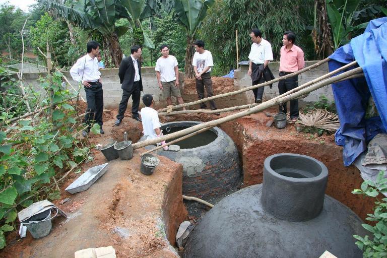 nong dan su dung ham biogas