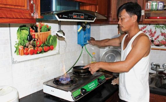 nấu ăn với bếp sử dụng khí biogas